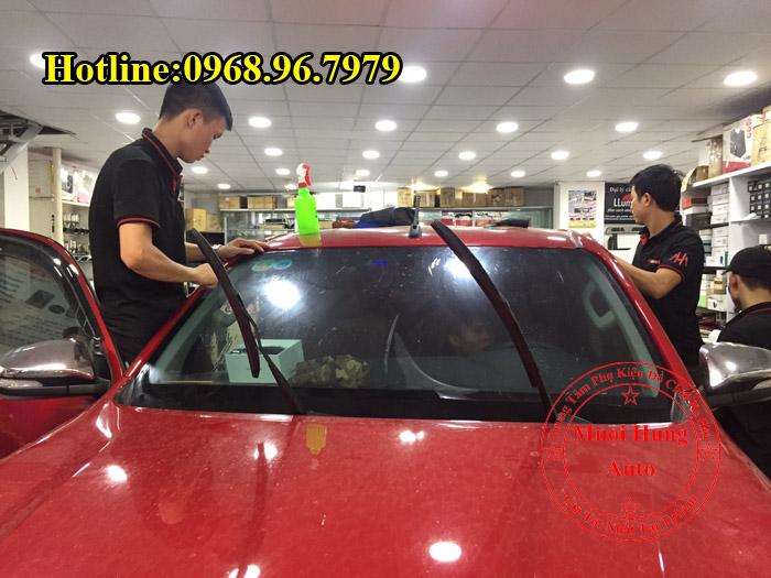 Dán Phim Cách Nhiệt Llumar Xe Toyota Hilux