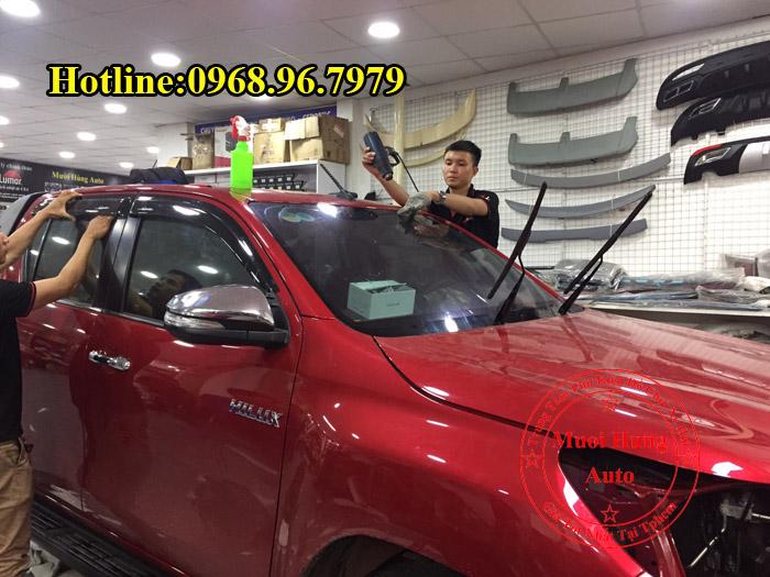 Dán Phim Cách Nhiệt NTech Xe Toyota Hilux 01