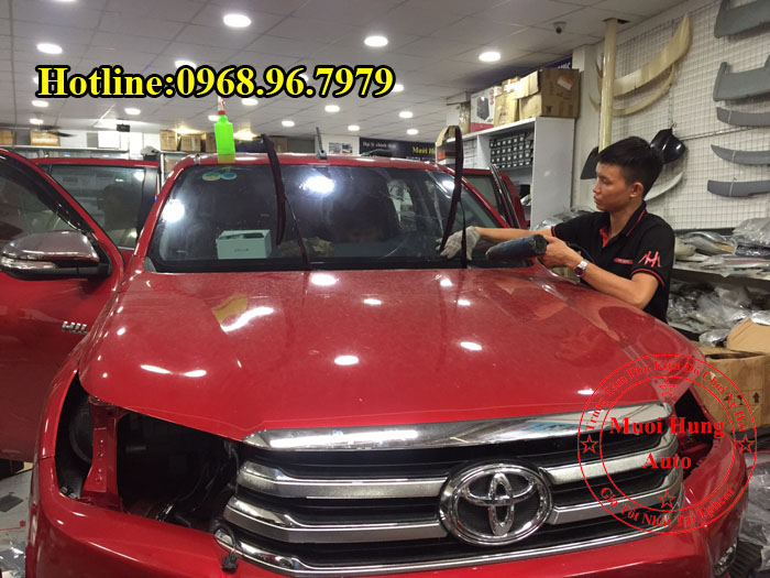 Dán Phim Cách Nhiệt Ntech Toyota Hilux Uy Tín