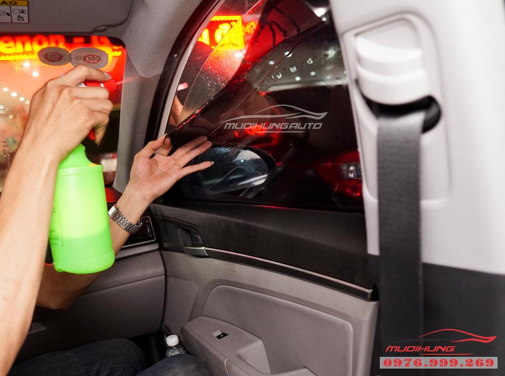 Dán phim chống nóng Llumar Hyundai Elantra Chính hãng 03