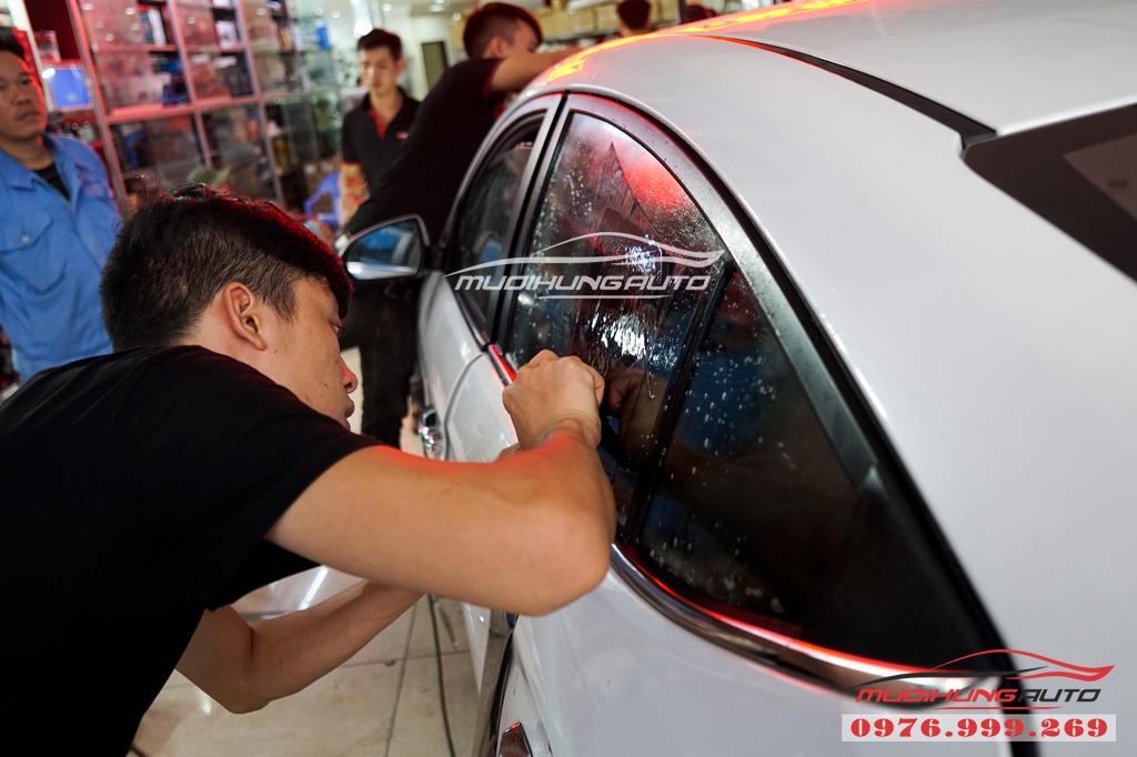 Dán phim chống nóng Llumar Hyundai Elantra Chính hãng 04