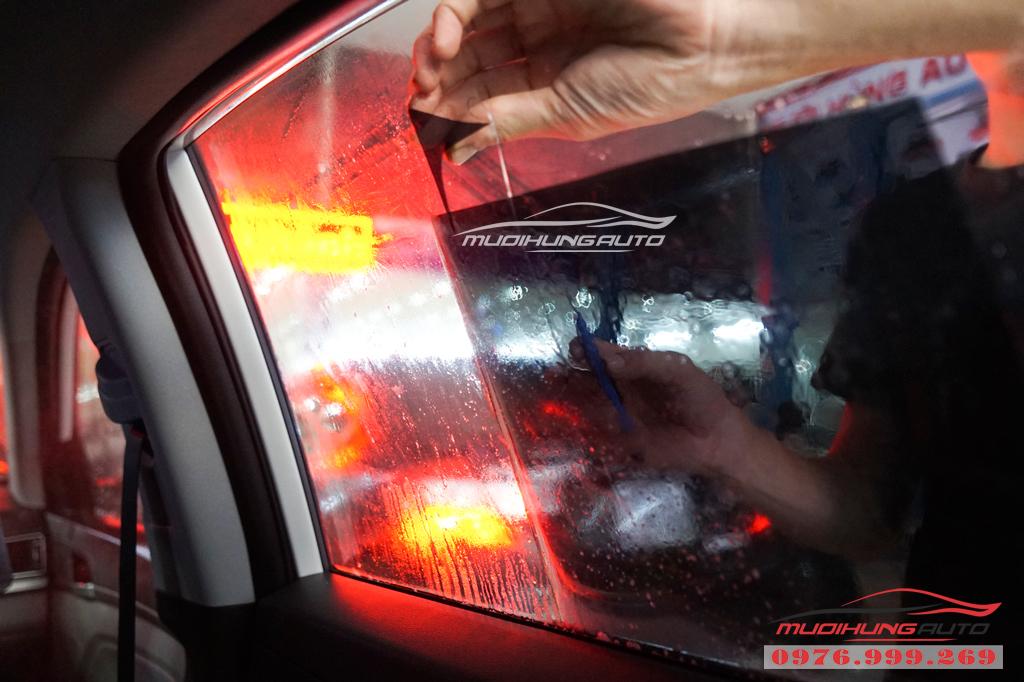 Dán phim chống nóng Llumar Hyundai Elantra Chính hãng 09
