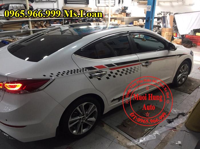 Dán Tem Cho Xe Hyundai Elantra 2016, 2017 03