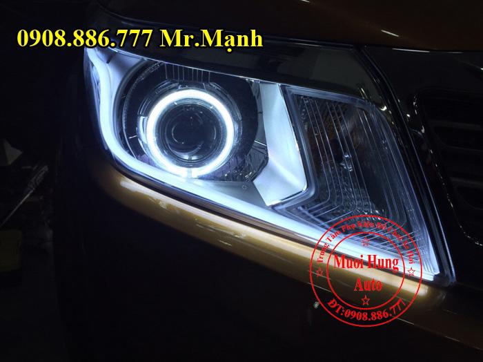 Độ Đèn Cho Xe Nissan Navara Tại Tphcm 02