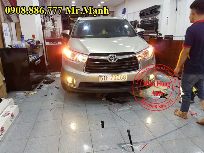 Độ Đèn Cho Xe Toyota Highlander Tại Tphcm 03