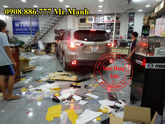 Độ Đèn Hậu Toyota Highlander Tại Tphcm 03