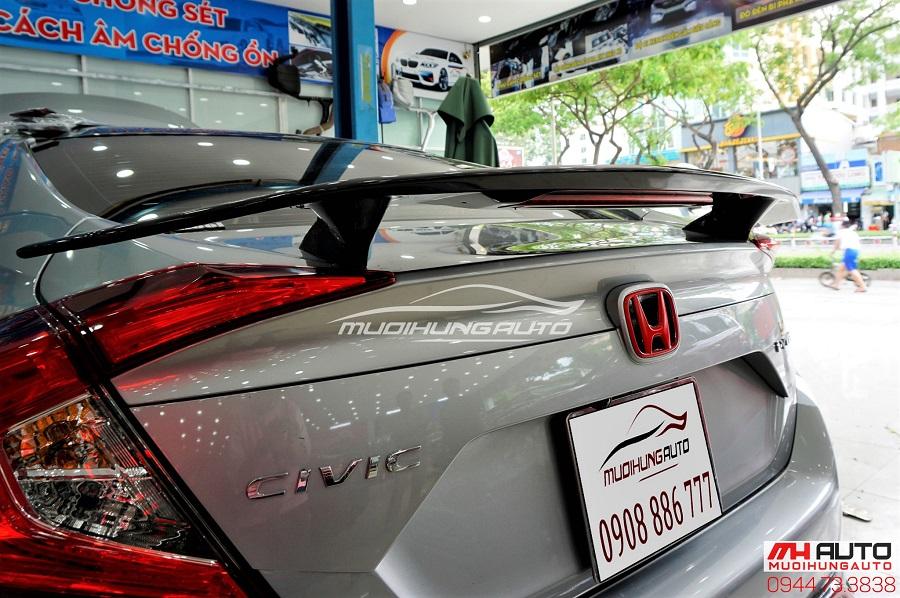 Đuôi Cá Honda Civic Có Đèn Mẫu Mới Nhất 2018 01