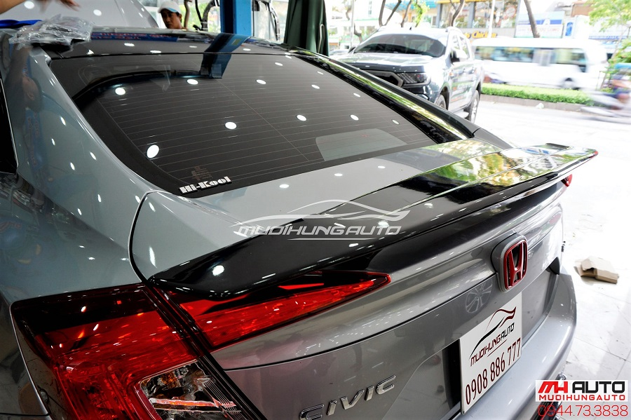 Đuôi Cá Honda Civic Có Đèn Mẫu Mới Nhất 2018 03