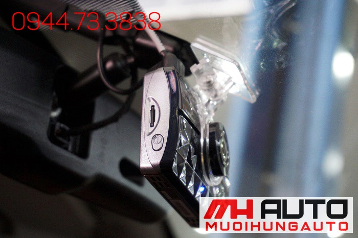 Lắp Camera Hành Trình GI500 Cho Mazda 3 02