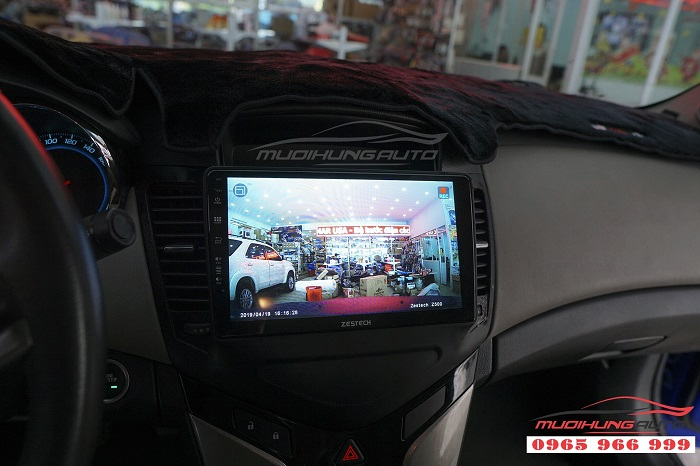 Lắp DVD zestech Z500 cho Chevrolet Cruze 02