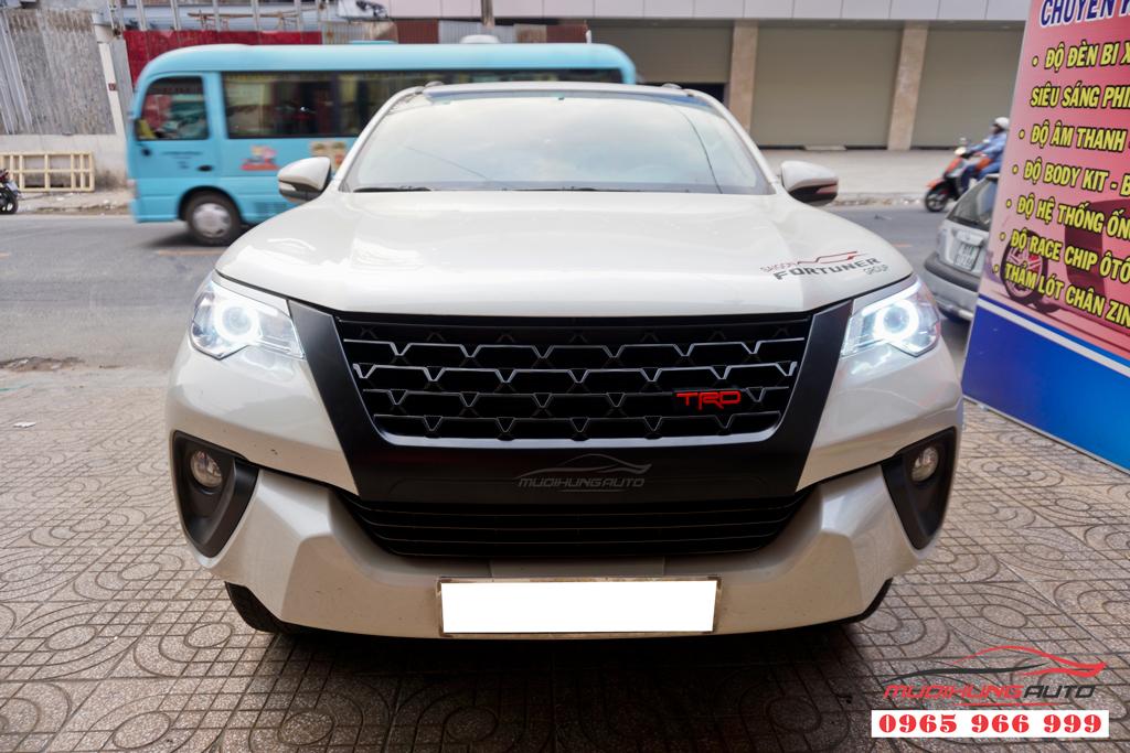 Mặt ga lăng Toyota Fortuner 2019 mẫu cao cấp 03