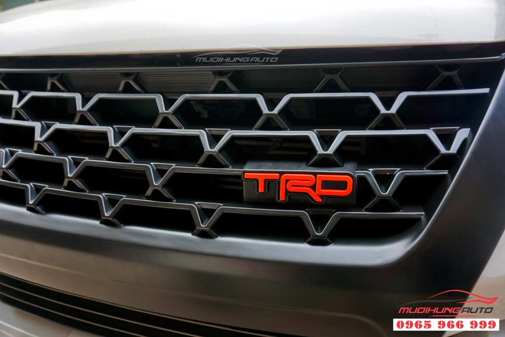 Mặt ga lăng Toyota Fortuner 2019 mẫu cao cấp