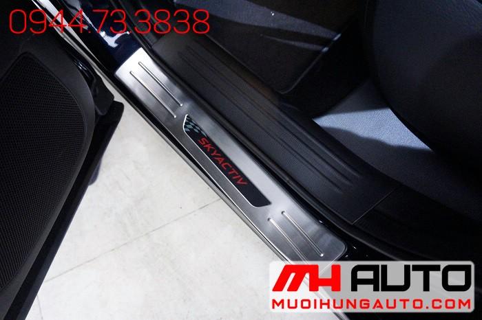 Nẹp Bước Chân Ngoài Xe Mazda CX5 2018 01