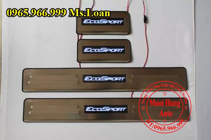 Nẹp Bước Chân Ford Ecosport Có Đèn 01