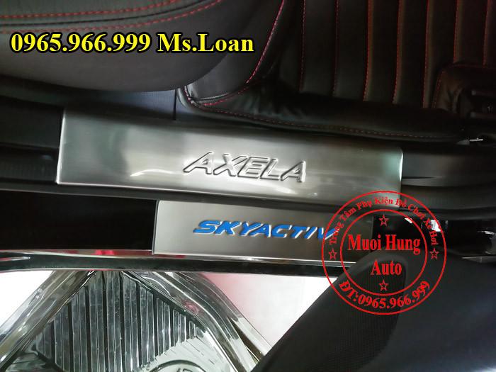 Nẹp Bước Chân Chống Trầy Xe Mazda 3