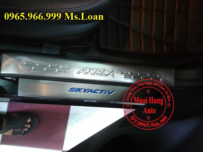 Nẹp Bước Chân Chống Trầy Xe Mazda 3 01