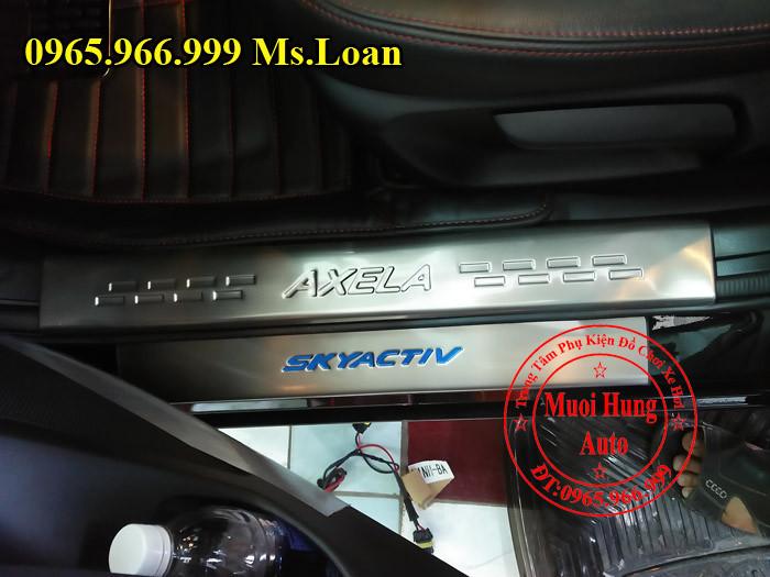 Nẹp Bước Chân Chống Trầy Xe Mazda 3 03