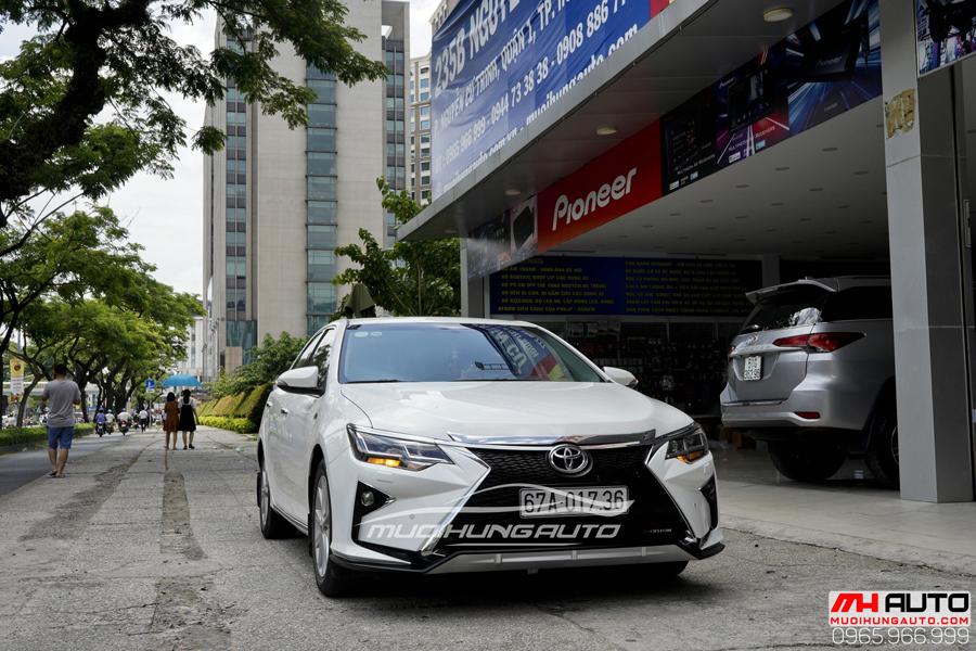 Toyota Camry Độ Mặt Ga Lăng Lexus, Đuôi Mercedes 02