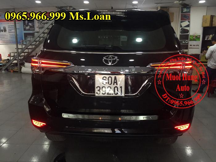 Viền Chân Kính Zin Xe Toyota Fortuner 2017 01