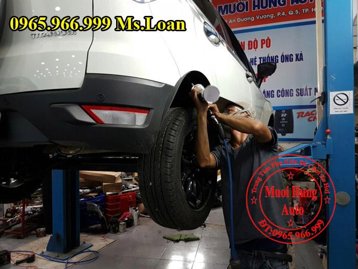 Xịt Gầm Chống Sét Cho Xe Ford Ecosport 04